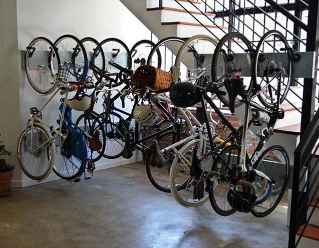 Велосипеды в подъезде