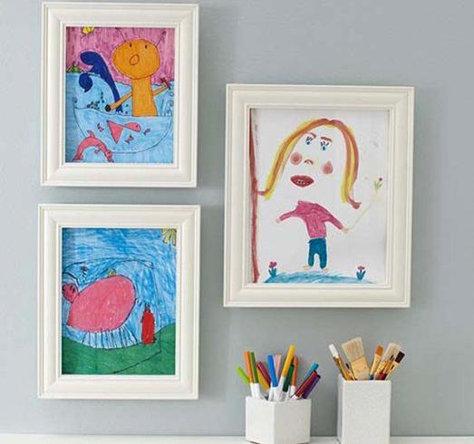 Детские рисунки в рамке