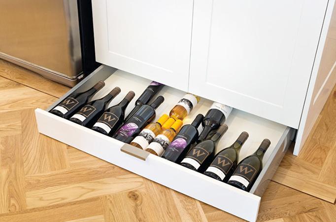 Хранение вина на кухне