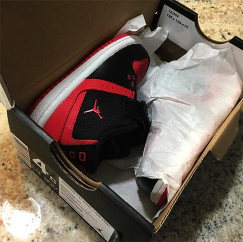 Обувь в коробке