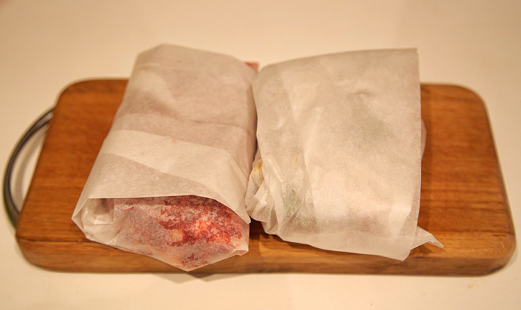 Сало в пищевой бумаге