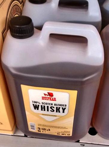 Виски в пластиковой бутылке