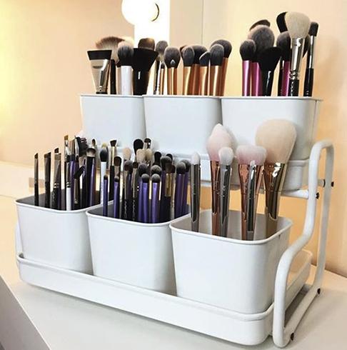 Грамотное хранение кистей для макияжа