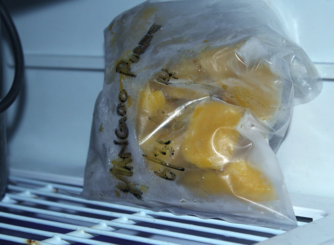 Манго в морозильнике