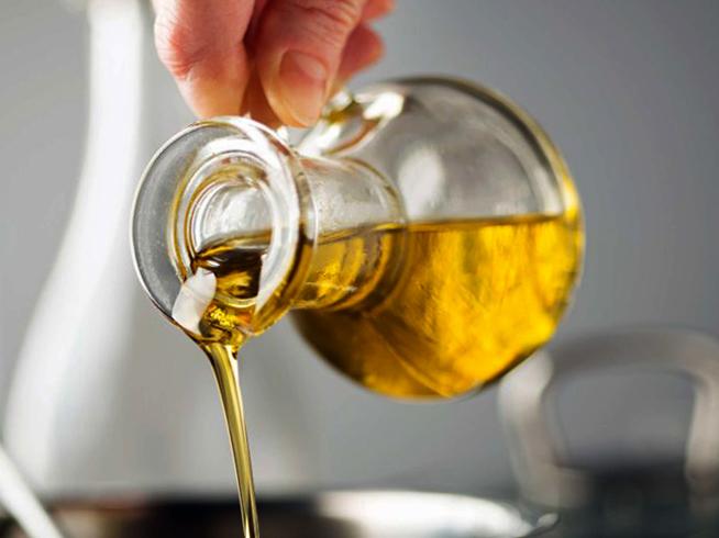 Свежее оливковое масло