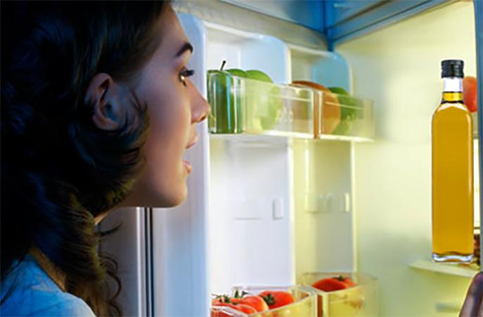 Оливковое масло в холодильнике