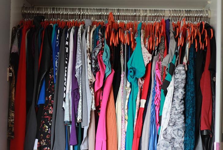Платья в шкафу