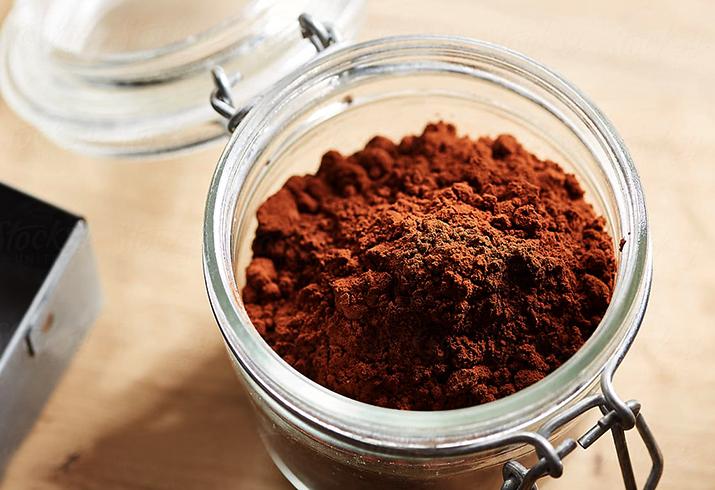 Какао-порошок в банке