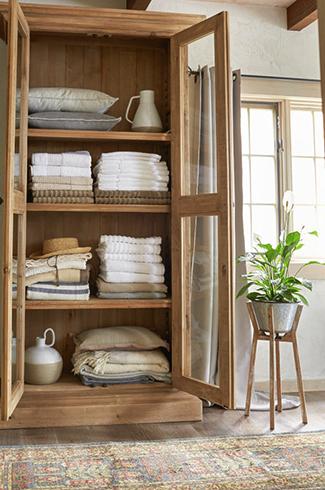 Хранение полотенец в шкафу
