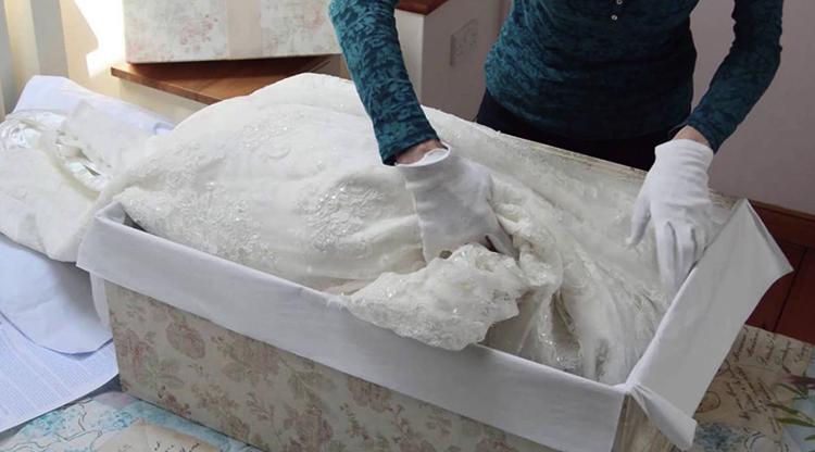 Свадебное платье в специальной коробке