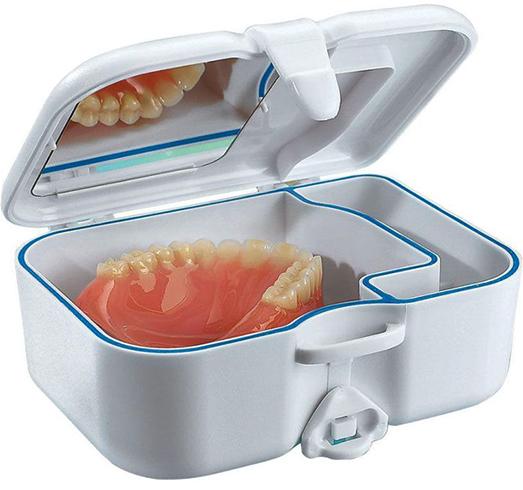 Зубной протез в контейнере