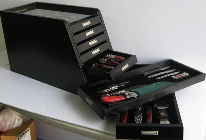 Кейс для коллекции ножей