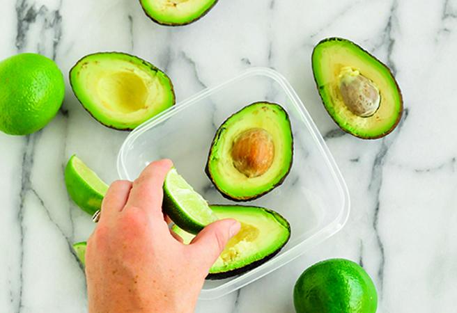 Хранение разрезанного авокадо