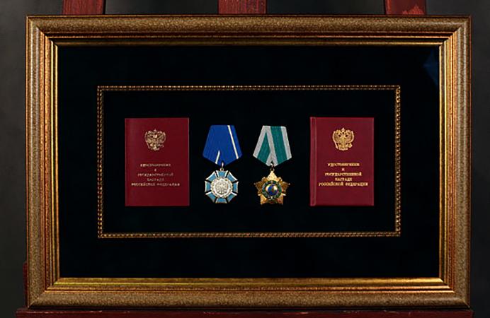 Багетная рамка для медалей