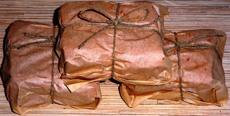 Копченое мясо в пергаментной бумаге
