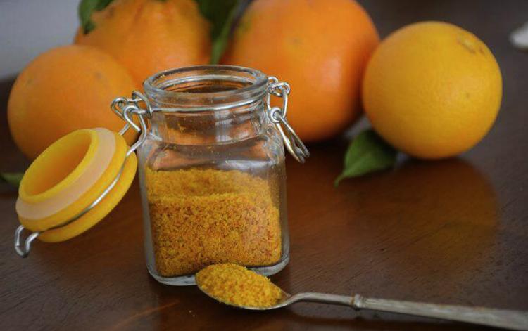 Апельсиновая цедра в стеклянной банке