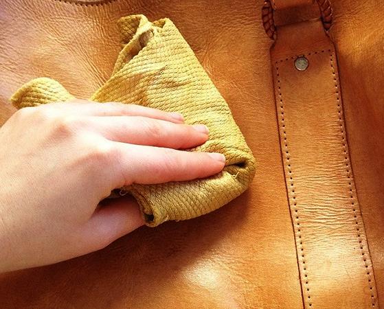 Чистка кожаного рюкзака