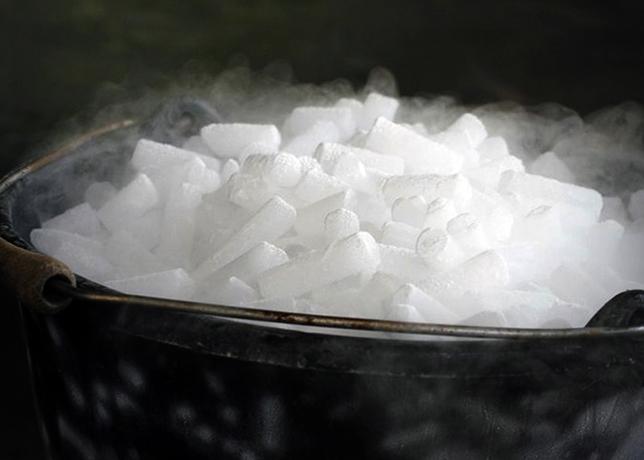 Опасный сухой лед