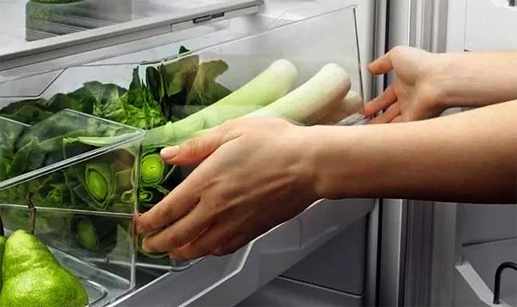 Лук-порей в холодильнике