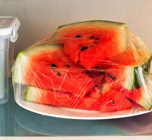 Хранение разрезанного арбуза в холодильнике
