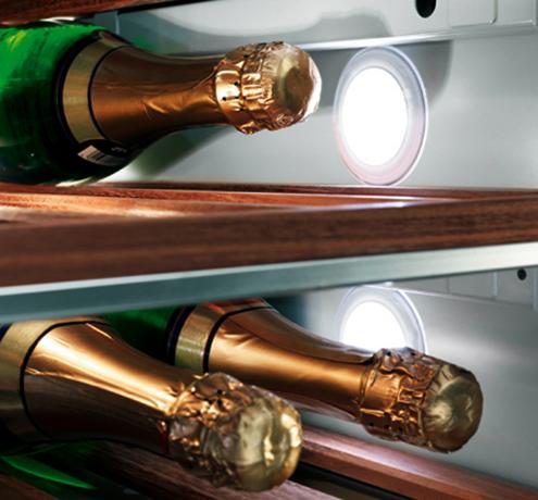 Шампанское в холодильнике