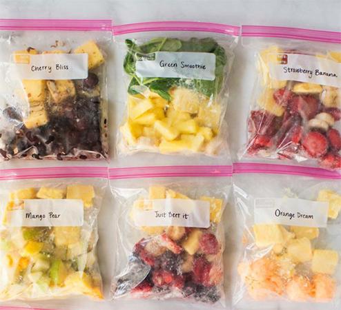 Хранение компонентов для смузи в морозилке
