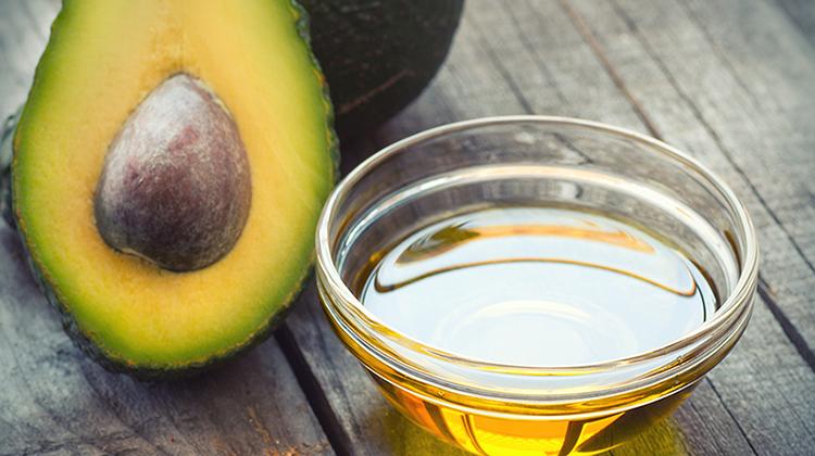 Свежее масло авокадо