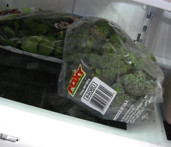 Брокколи в холодильнике
