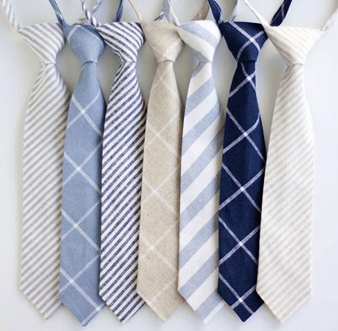 Разные мужские галстуки