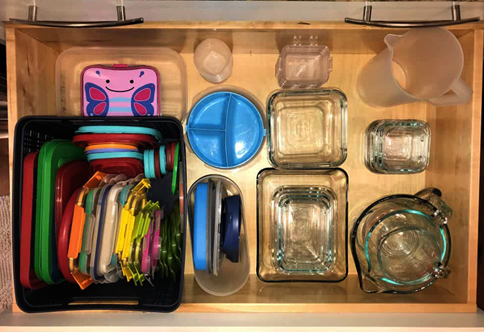 Грамотное хранение контейнеров для еды