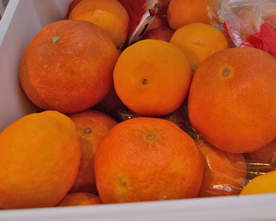 Грейпфруты в холодильнике