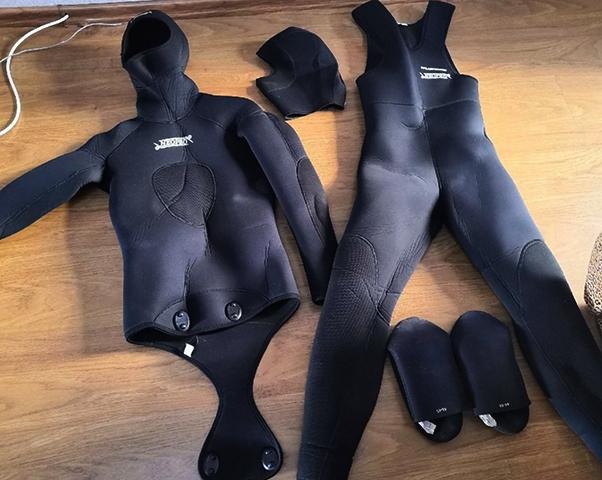 Вид костюма для подводной охоты дома
