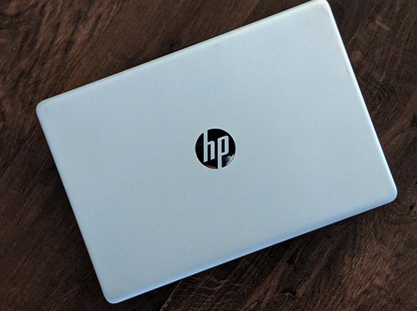 Ноутбук дома