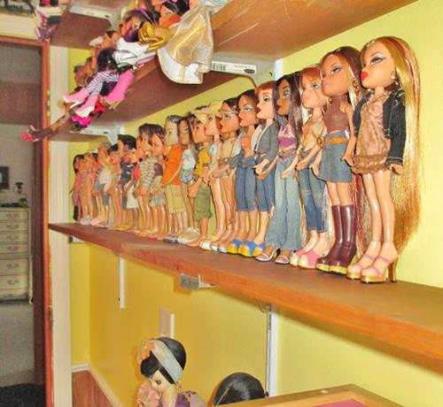 Куклы на полках