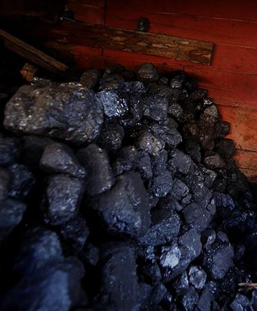 Уголь в сарае