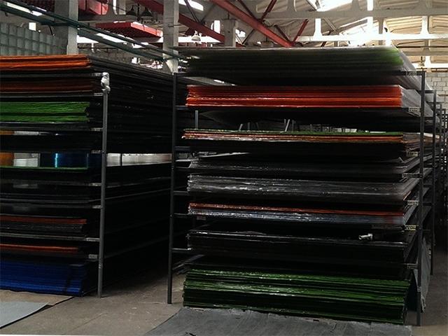 Хранение поликарбоната на складе
