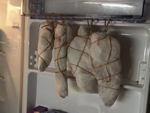 Вяленое мясо в холодильнике