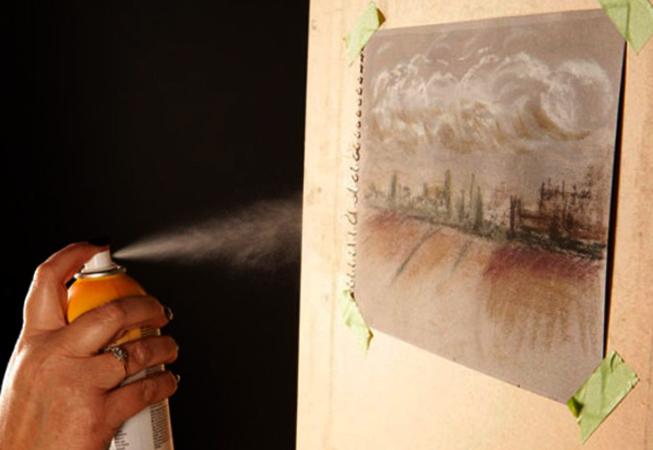 Использование фиксатива для сохранения пастели на рисунке