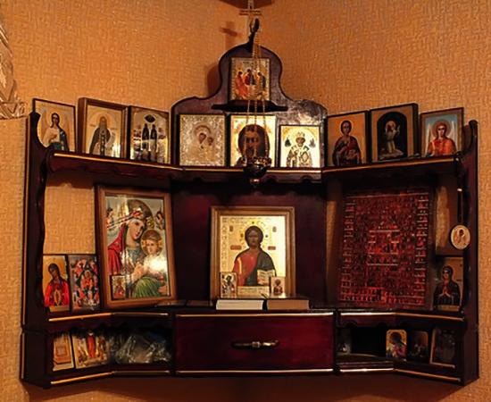 Иконостас в доме