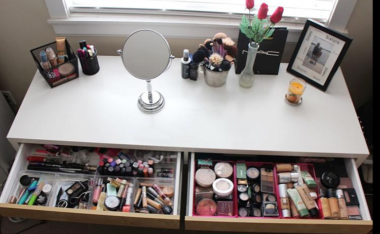 Хранение косметика на туалетном столике