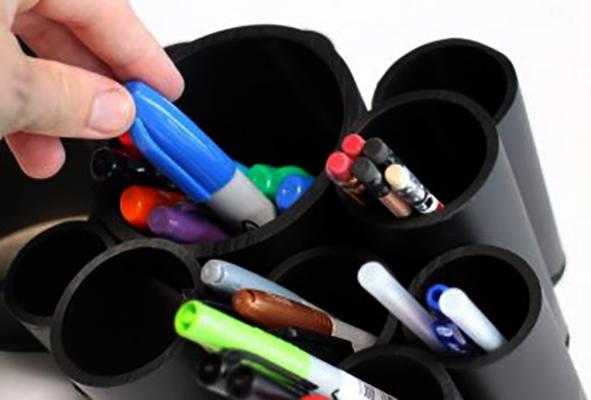 Ручки в пластиковых тубах