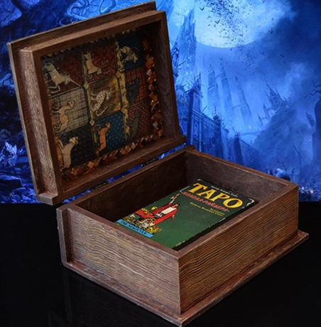 Карты Таро в шкатулке