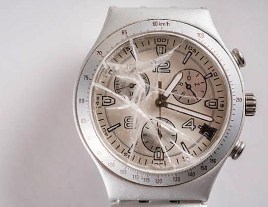 Сломанные наручные часы