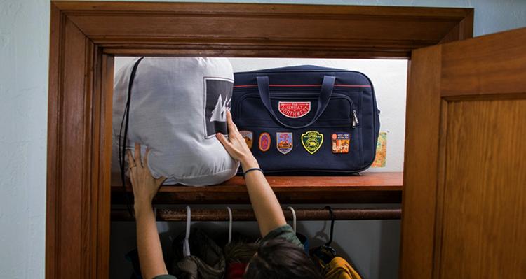 Хранение спального мешка на полке