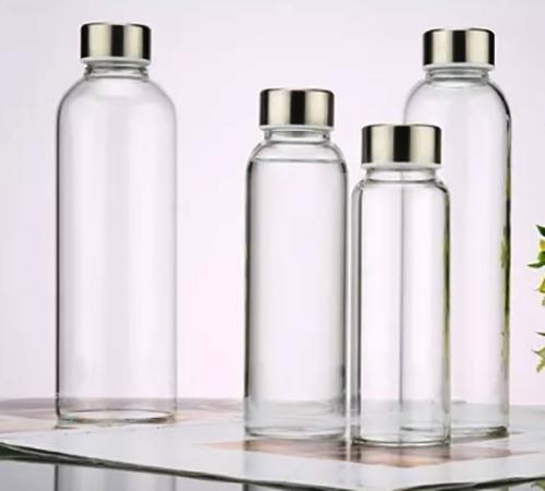 Кипяченная вода в стеклянных бутылках