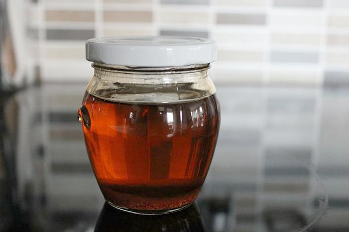 Кедровое масло в стеклянной банке